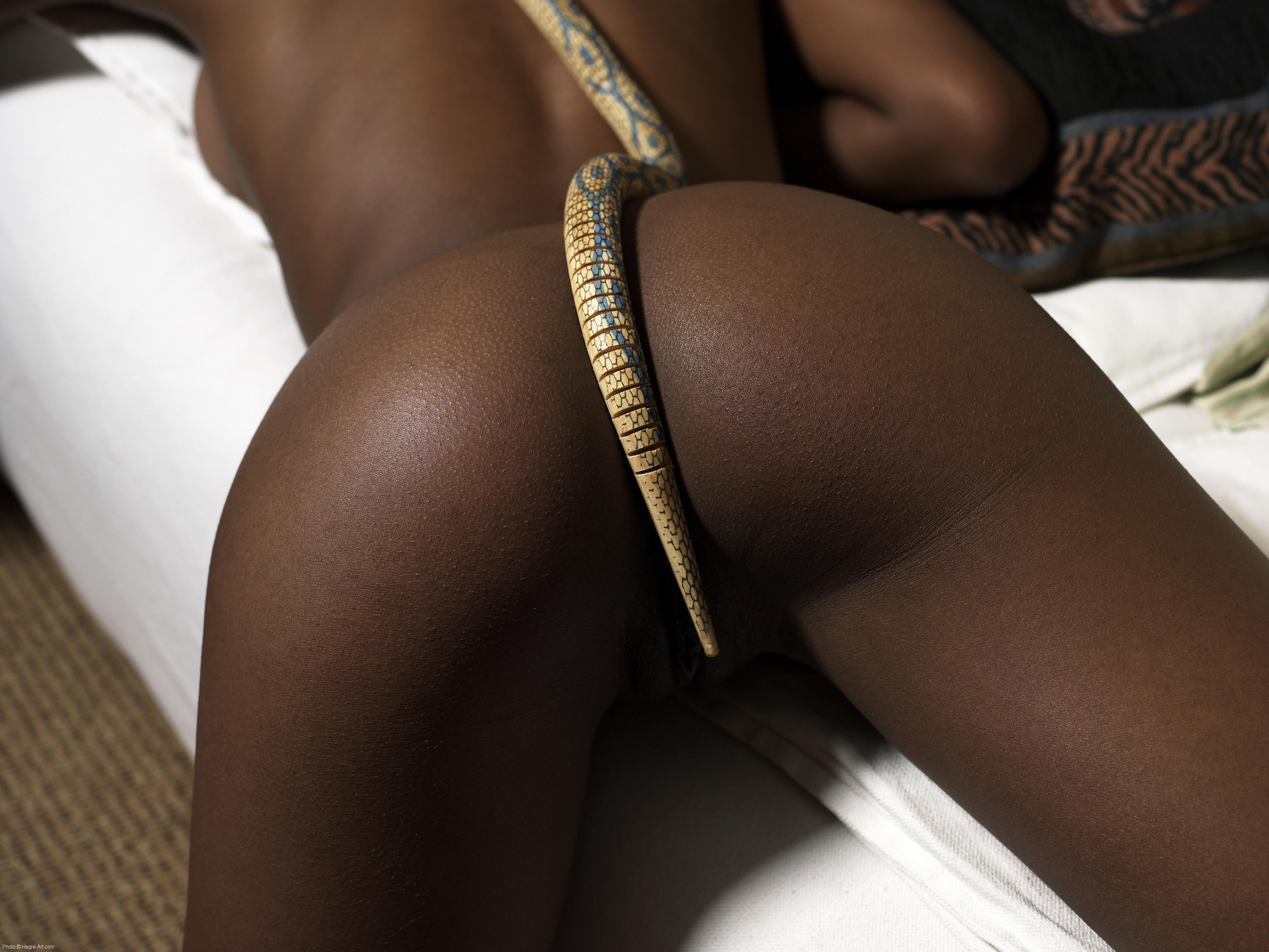 Сладкая попка негритянки 23 фотография